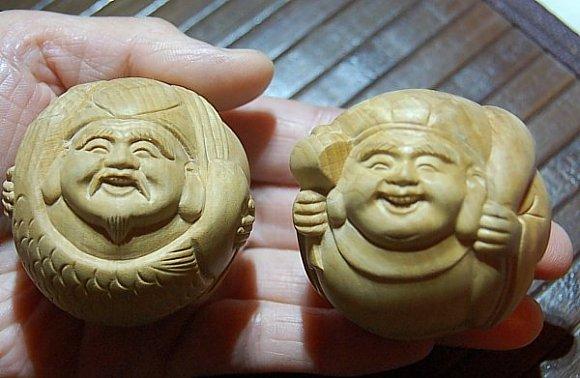 Charming miniature set of Ebisu and Daikoku