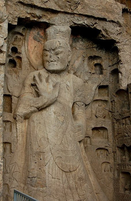 tang-period-caves-longmen-china-sept-2008-NIO-4