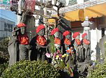 Six Jizo at the RokuJizo Intersection (Kamakura)