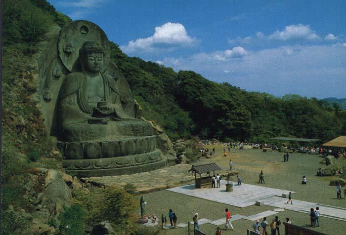 Big Buddha (Daibutsu) -- Giant Buddha Effagies in Japan
